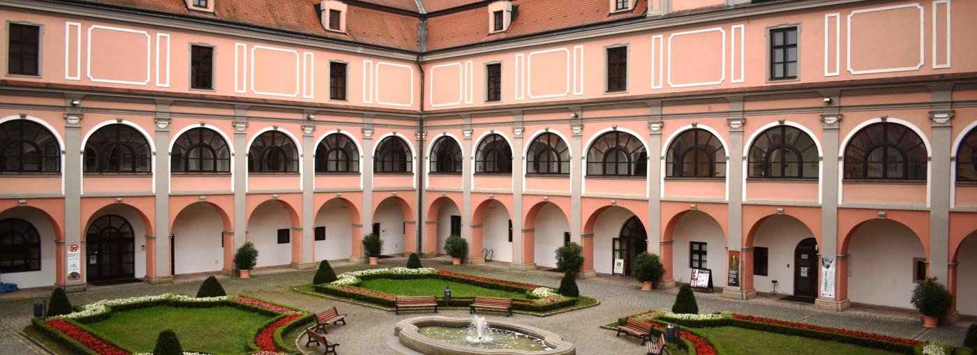 Muzejní a galerijní centrum